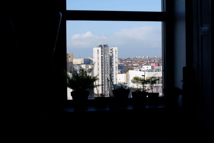 la vue par la fenêtre