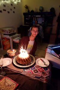 ryan et son gâteau d'anniversaire
