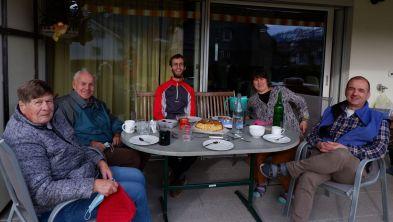 Avec la famille de Ryan : Sula, Turi, Ryan Doraa, Stefan.