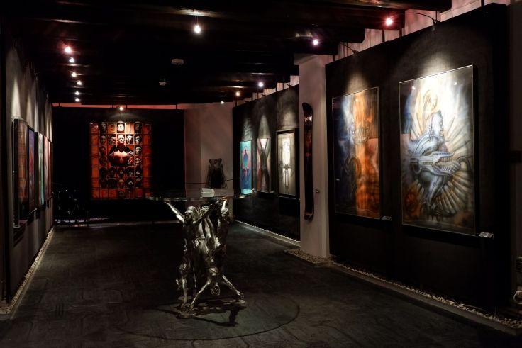 une des salles du musée H.R. Giger